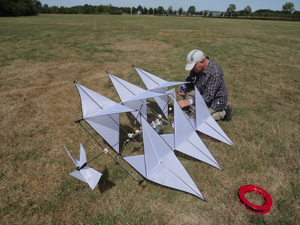 Musical Kites : Sounds From The Clouds