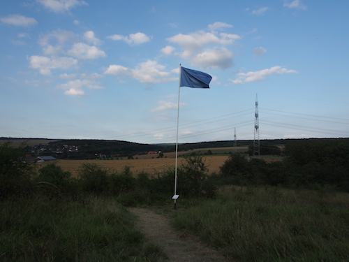 Kinetic Flag Antipodia 51° 10` 25.2``S 171°12`06,1``W / Foto: Gabriele Nippel